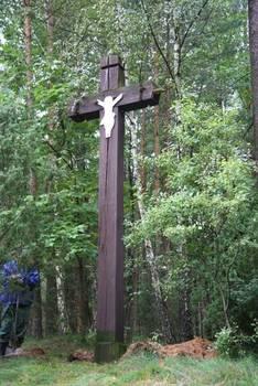 Rok 2010 - demontaż krzyża za miejscowością Bachorze fot. B. Grabowska