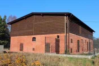 Budynek inwentarski po przebudowie - fasada budynku