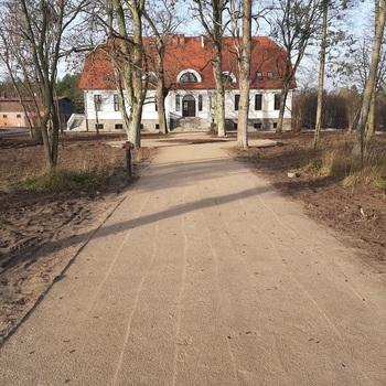 """Zakończono prace przy budowie budynku muzeum przyrodniczego Parku Narodowego """"Bory Tucholskie"""" w Chocińskim Młynie"""